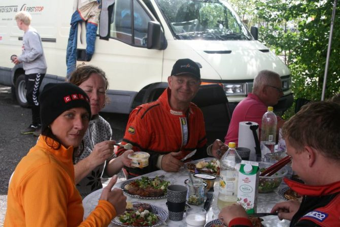 Mat efter avslutad tävling i Randers Hamn